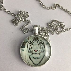 White Tiger Cabochon Pendant Necklace Gift-H48